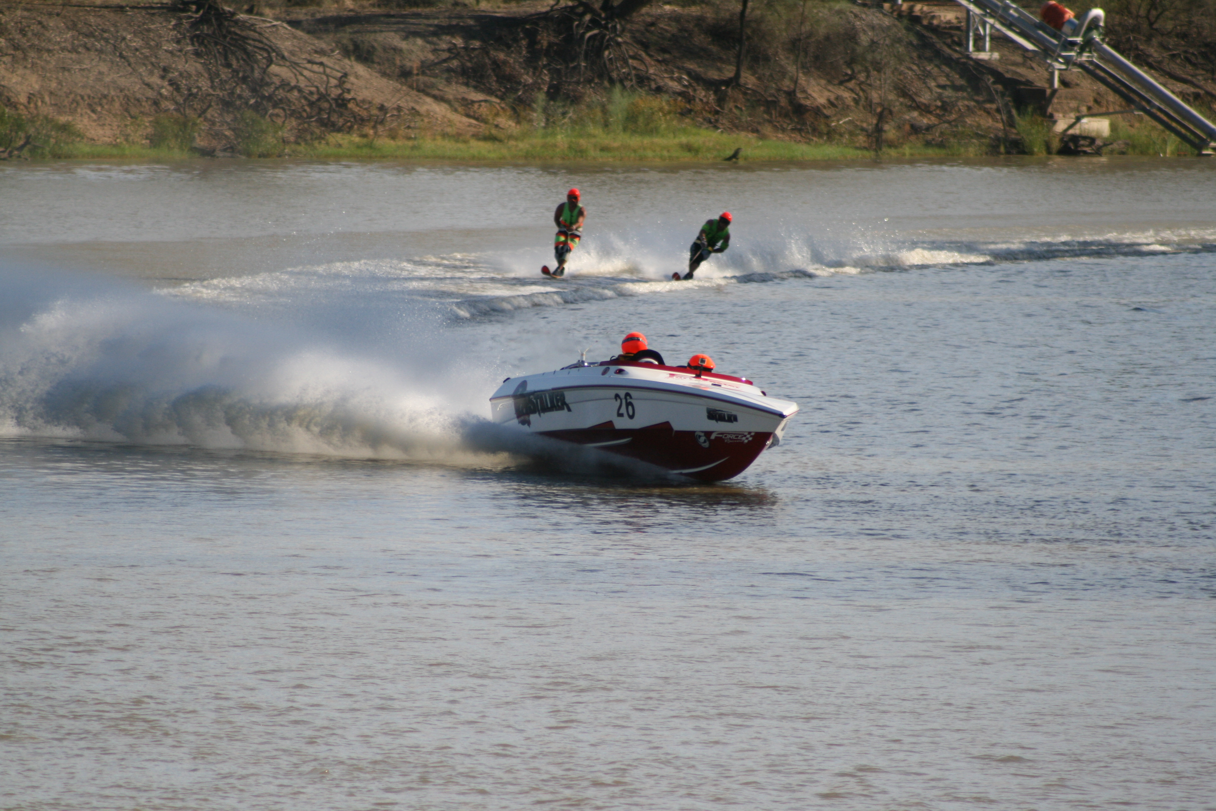 """""""Stalker"""" Racing Force F21s and F19 Outboard"""