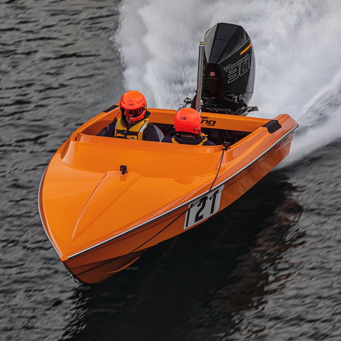 Check out these shots of one of our Force F19X's with Mercury's 300R outboard, racing last weekend on Lake Dunstan – Cromwell NZ!