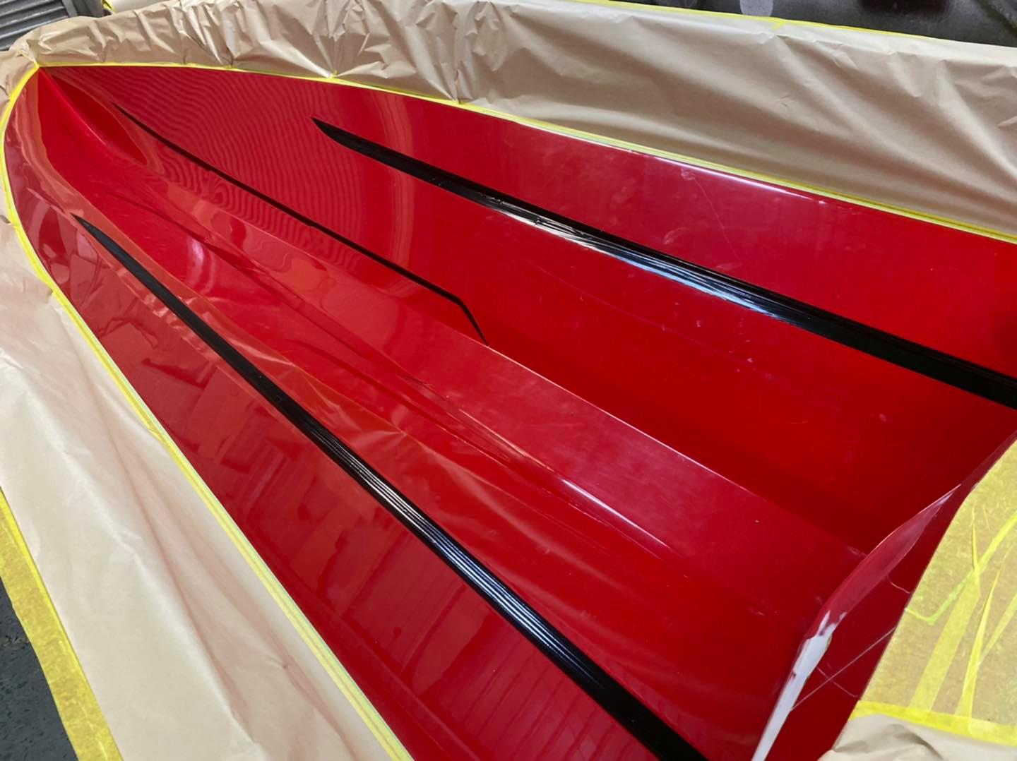 F18X Colour Layers – Colours are very time consuming and quite an art when you are working upside down and inside out to create straight clean lines. Each colour is applied individually and let dry before the next colour can be applied.